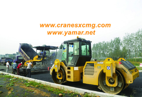 XCMG road rollers working in Henan