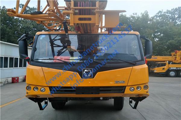 XCT16 truck crane (2)