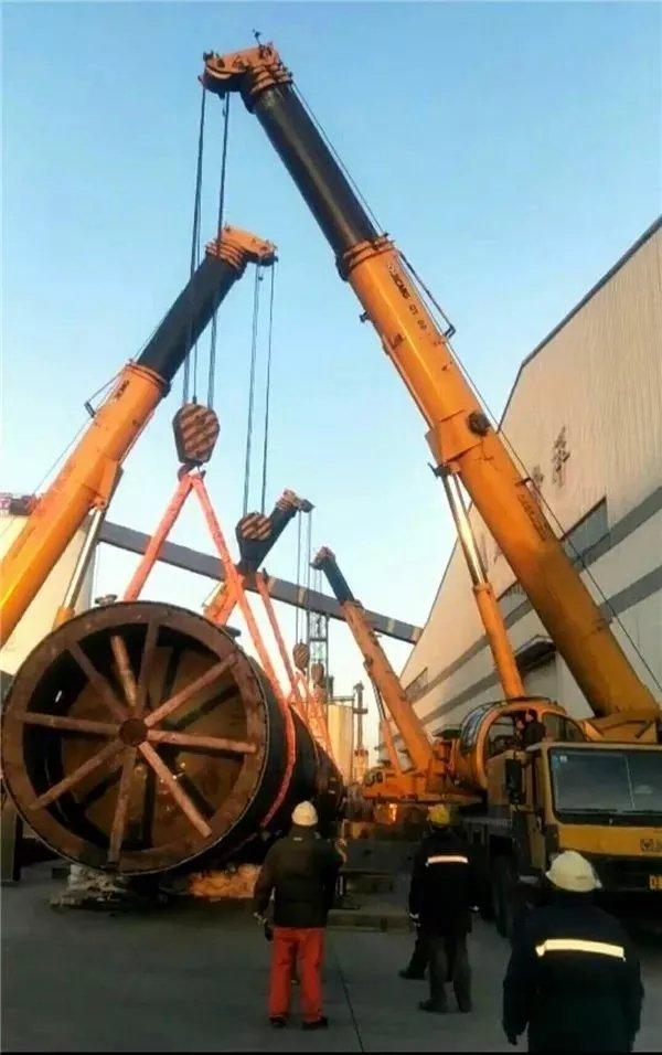 XCMG crane truck.jpg