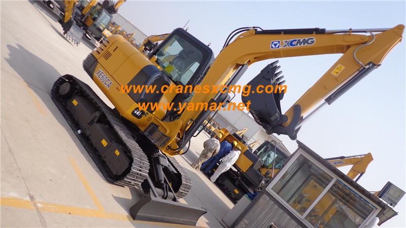 XCMG small excavator XE60CA