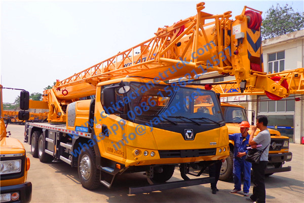 We export XCMG new 20 ton truck crane model XCT20