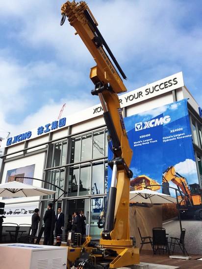 SQZ200K truck-mounted crane in Munich