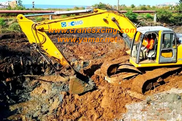 xcmg excavator working at keller tower (2)