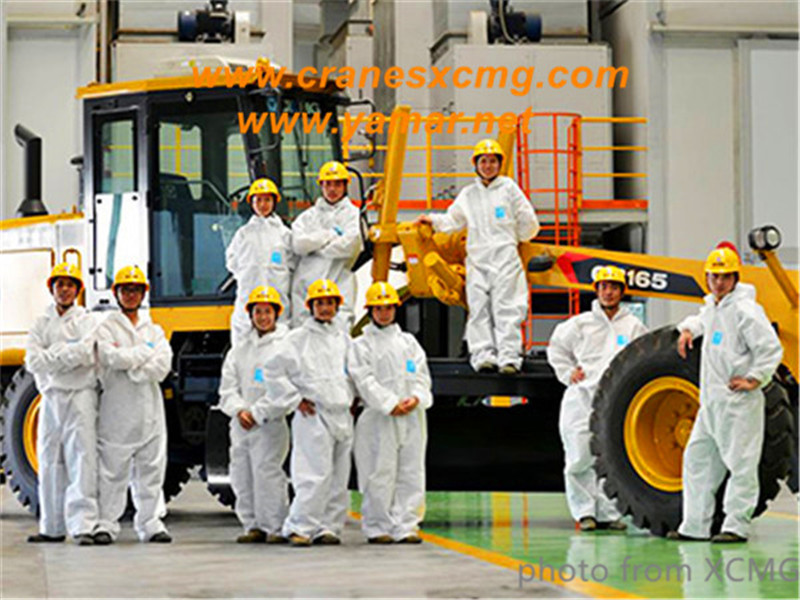 XCMG painting factory and workers