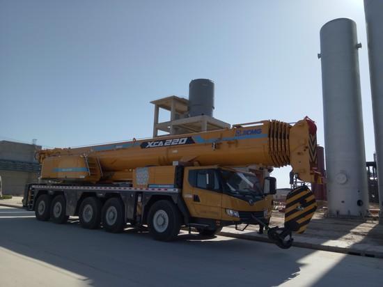 XCMG All Terrain Crane XCA220 (1)