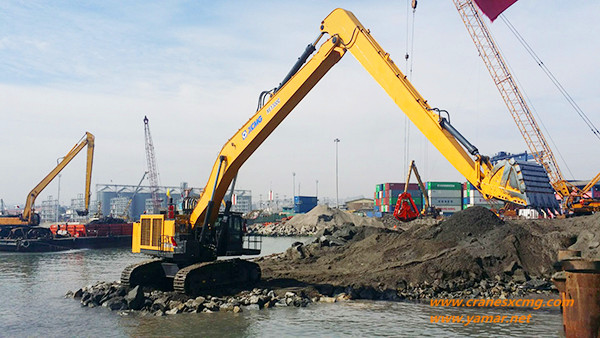 XCMG long boom excavator
