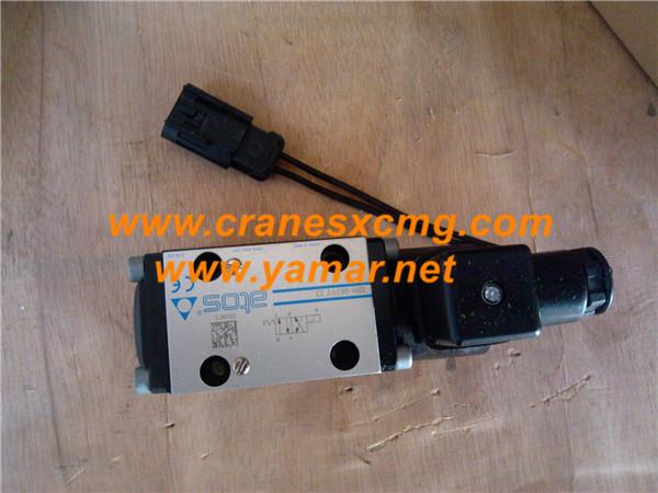XCMG truck Crane parts valve