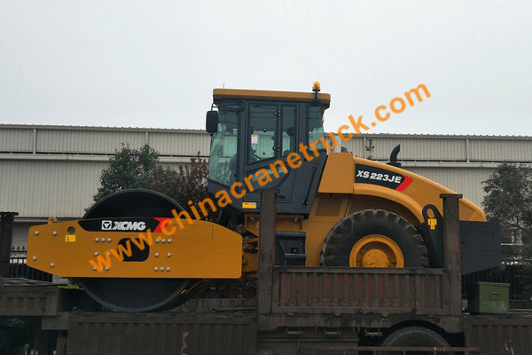 Customer order XCMG road roller XS223