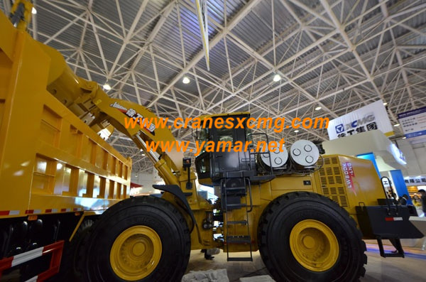 XCMG wheel loader in Beijing Construction Machinery Show