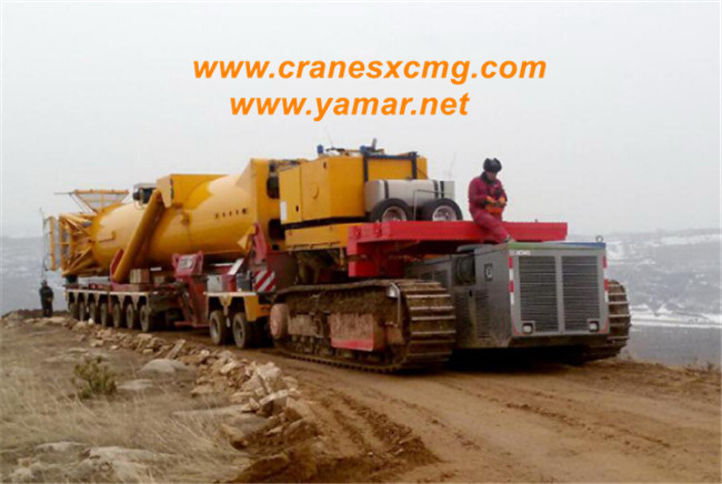 XCMG crawler tractor truck work in winter