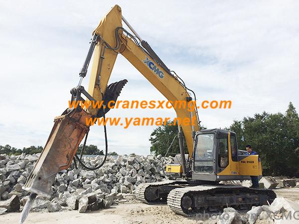 XCMG crawler excavator XE360U in USA