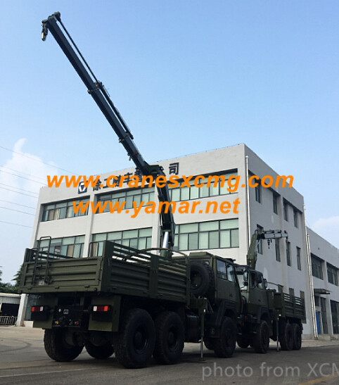 XCMG loader crane in green color for army
