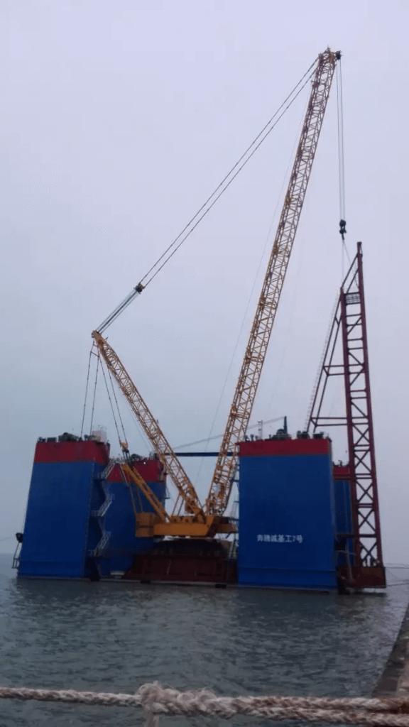 XCMG 2000 ton crawler crane XGC28000.png