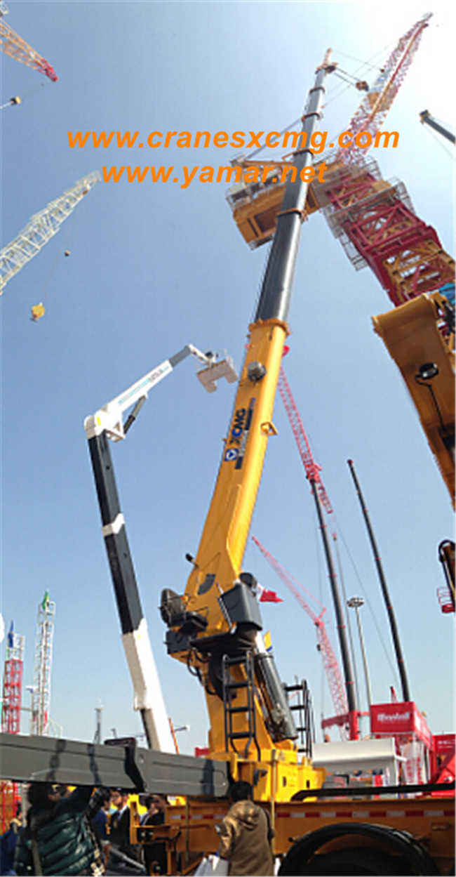XCMG biggest telescopic truck-mounted crane model SQS625A