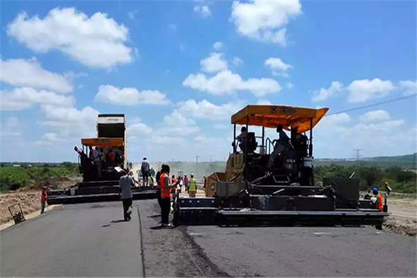 XCMG paver exports increased 85.11% over the same period last year