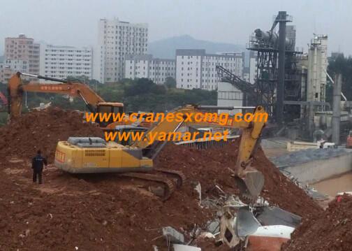 XCMG excavator doing rescue work at landslide in Shenzhen city