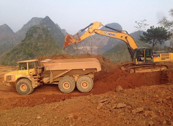XCMG XE370C excavator