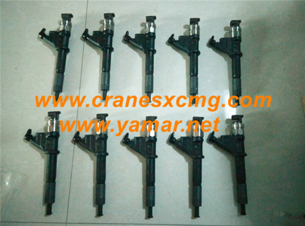 Customer ordered XCMG crane engine injector parts
