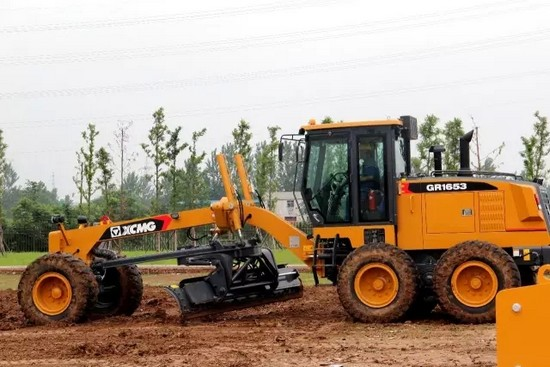 XCMG road roller training (2)