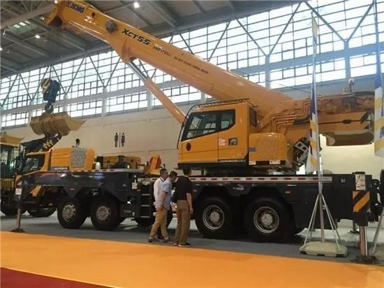 XCMG truck crane in Wuhan