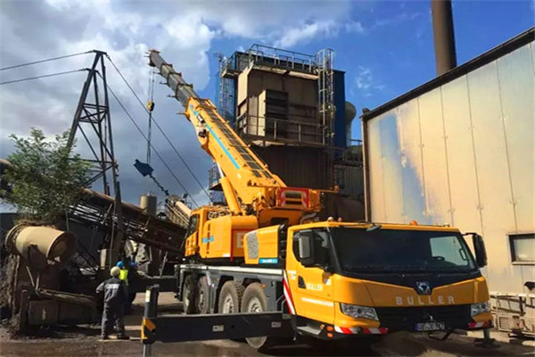XCMG all terrain cranes battle in the German market