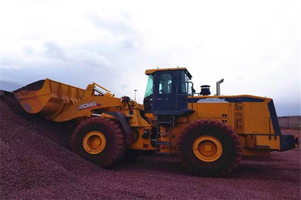 XCMG large loader famous South African iron ore