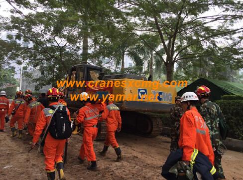 XCMG excavator doing rescue work