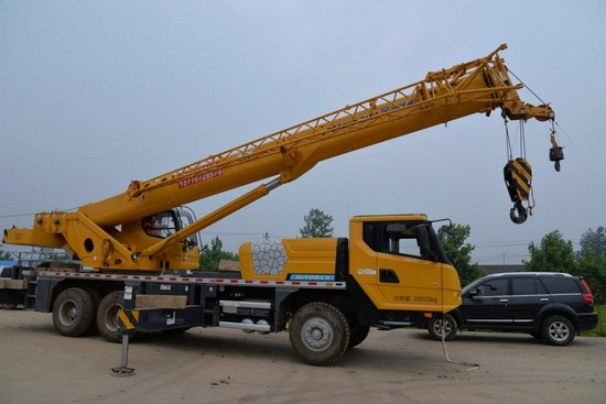 XCMG 20 ton truck crane XCT20-1 (1)