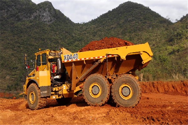 XCMG heavy mining excavator and dump truck