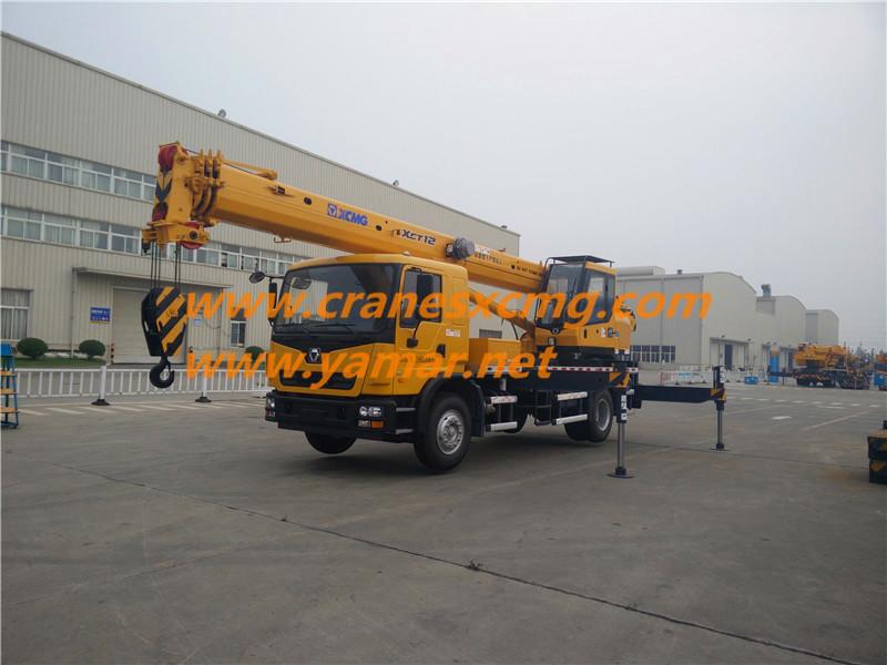 XCMG XCT12 truck crane
