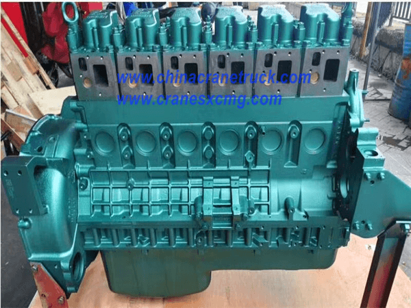 WD615.338 Engine Half Assembly
