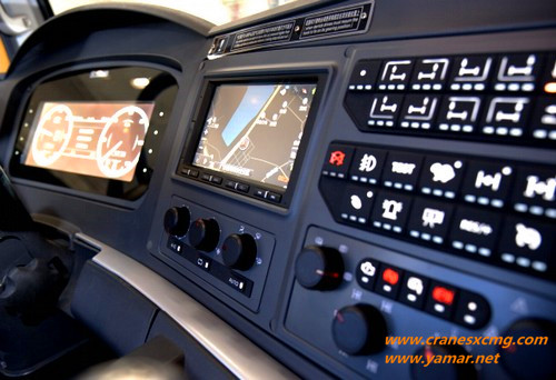 XCMG all terrain crane XCA450 operation